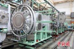 中国造国内最大聚丙烯挤压造粒机组在